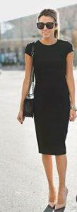 κλασσικό μαύρο εφαρμοστό φόρεμα