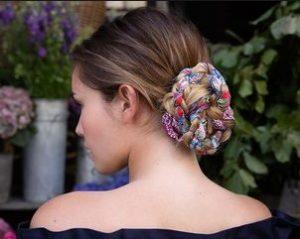 κορδέλα πολύχρωμη μπλεγμένη σινιόν καστανό μαλλί