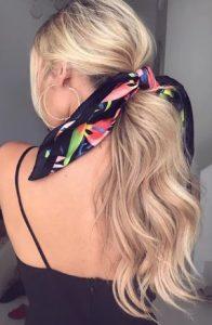 κοτσίδα χαμηλή ξανθό μαλλί φορέσεις κορδέλα μαλλιά