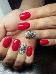 εντυπωσιακά νύχια