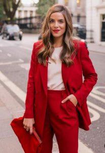 κόκκινο γυναικείο κοστούμι