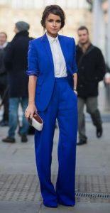 εντυπωσιακό μπλε γυναικείο κοστούμι