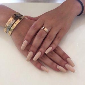 nude μανικιούρ μακριά νύχια καλεσμένη γάμο
