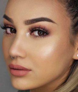 ροζ-χρυσό μακιγιάζ