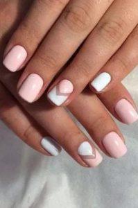ροζ σχέδιο για νύχια
