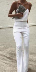 γυναικείο Look με λευκές επιλογές