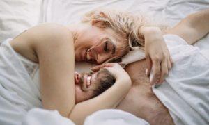 ζευγάρι στο κρεβάτι, ediva.gr