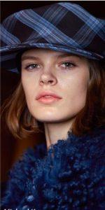 καπέλο μπλε καρό γείσο αξεσουάρ χειμώνα 2020