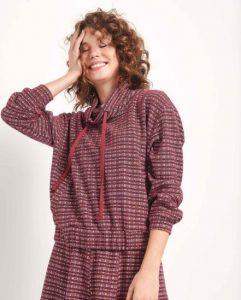 μοντέρνα καρό μπλούζα με κουκούλα