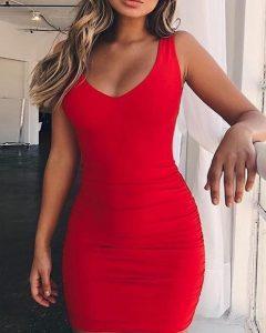 μίνι κόκκινο φόρεμα κολλητό ανοιχτό ντεκολτέ