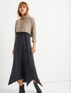 μοντέρνο γυναικείο φόρεμα μπορντό με κουμπιά