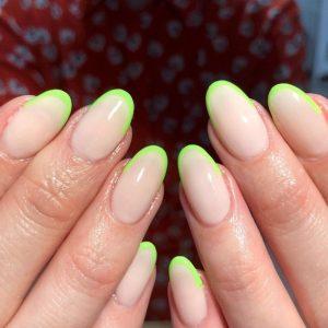 γαλλικό μανικιούρ κίτρινο neon μοντέρνα σχέδια νύχια