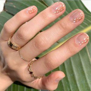 νύχια print ελαφιού nude μοντέρνα σχέδια νύχια