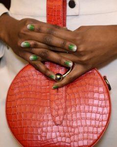 όμπρε άσπρο πράσινο nude νύχια glitter