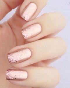 ροζ χρυσά νύχια με glitter