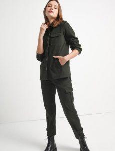 χακί γυναικείο μπουφάν με μπροστινές τσέπες