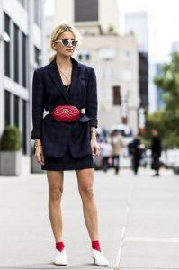 κόκκινο τσαντάκι σακάκι φούστα στυλ ζώνης
