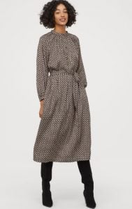 αέρινο μακρυμάνικο φόρεμα h&m 2020