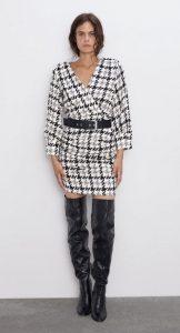 ασπρόμαυρο χειμωνιάτικο φόρεμα V ντεκολτέ