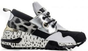 ασπρόμαυρο αθλητικό παπούτσι