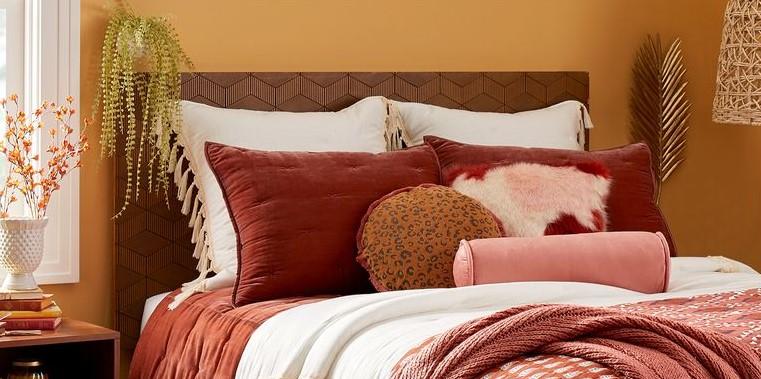 διακοσμητικά μαξιλάρια κρεβάτι