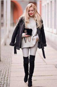 over the knee μαύρες ψηλές μπότες φλατ παπούτσια άσπρα ρούχα χειμώνα