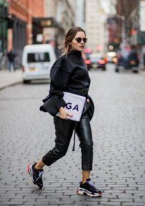μαύρα sneakers must have φθινόπωρο