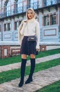over the knee μαύρες ψηλές μπότες φούστα πουλόβερ φλατ παπούτσια χειμώνα