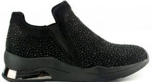 μαύρο sneaker με στρας στο επάνω μέρος
