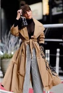 μπεζ καπαρντίνα πολύχρωμα ρούχα μπεζ ρούχα χειμώνα