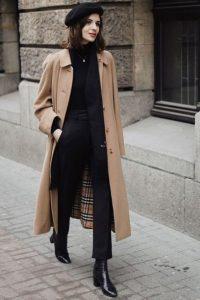 μπεζ παλτό μαύρα ρούχα αμπερές μπεζ ρούχα χειμώνα