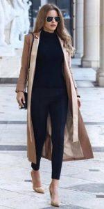 μπεζ παλτό μαύρο σύνολο ρούχα