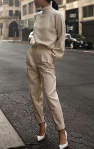 μπεζ παντελόνι ζιβάγκο άσπρες γόβες