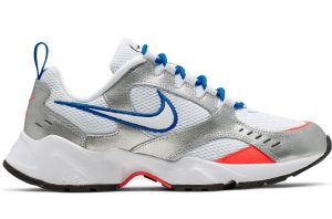 nike air heights ασημί