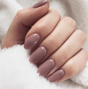 nude νύχια μεσαίο μήκος χρώματα νυχιών φθινόπωρο