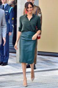 pecil φούστα δερμάτινη πράσινη φορέσεις φθινόπωρο γραφείο