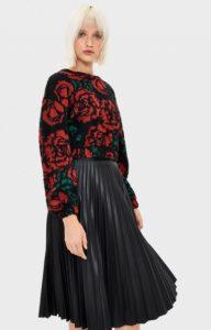 πουλόβερ με τριαντάφυλλα