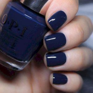 σκούρα μπλε νύχια μανικιούρ χρώματα νυχιών φθινόπωρο