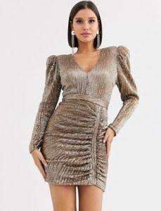 χρυσό φόρεμα με ψηλούς ώμους