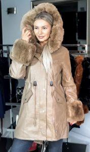 μακρύ δερμάτινο γυναικείο μπουφάν με γούνα