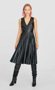 δερμάτινο πλισέ μαύρο φόρεμα