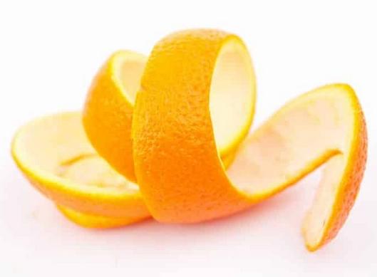 Φλούδα πορτοκαλιού για κίτρινα νύχια