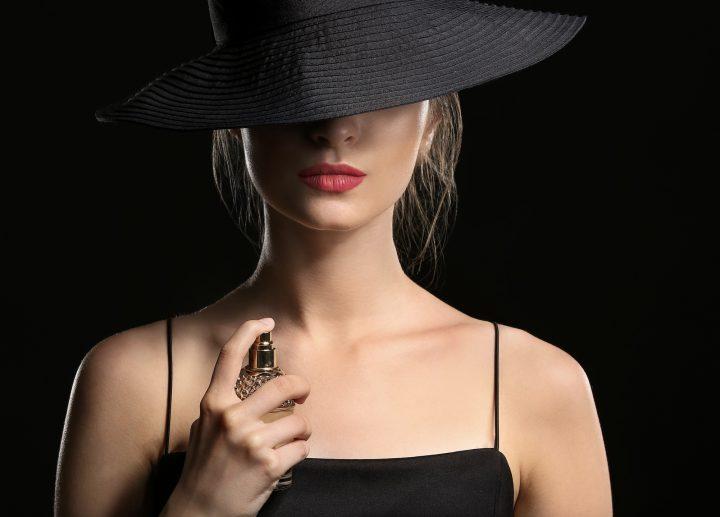 10 Σαγηνευτικά γυναικεία αρώματα που έχουν διάρκεια!