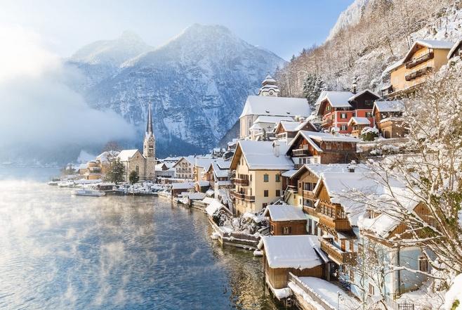 Χιονισμένη πόλη Χάλστατ Αυστρία