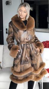 καφέ δερμάτινο παλτό Maria Korinthiou