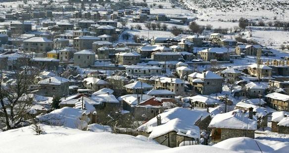 Καϊμακτσαλάν πανοραμική χιονισμένα σπίτια