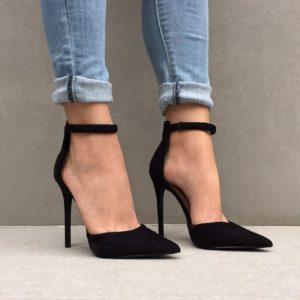 παπούτσι με μπαρέτα πονάνε πόδια