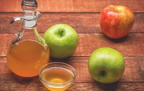 Μηλόξυδο και μήλα