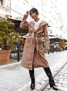 μπεζ μακρύ παλτό