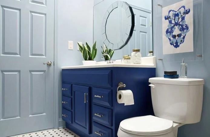 μπλε έπιπλο μπάνιου μικρό μπάνιο